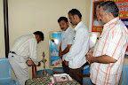 Dr.G.A.Viswanathan Lihgting the lamp :: Date: Feb 17, 2008, 10:44 AMNumber of Comments on Photo:0View Photo
