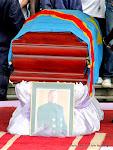 La dépouille de King Kester Emeneya le 01/02/2014 au palais du peuple à Kinshasa en provenance de Paris. Radio Okapi/Ph. John Bompengo