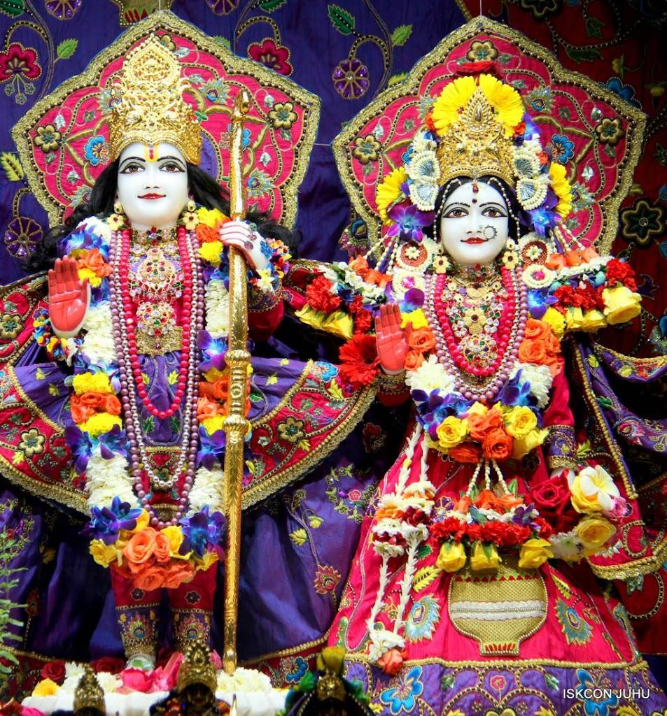 ISKCON Juhu Sringar Deity Darshan 29 Jan 2016 (35)