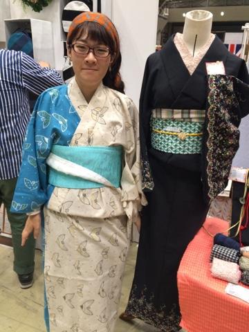 ハンドメイドジャパンフェスにも出品した肩身代わりの鳥の着物をご試着いただきました。ありがとうございます! She tried the Two  colors bird kimono.Thank you!