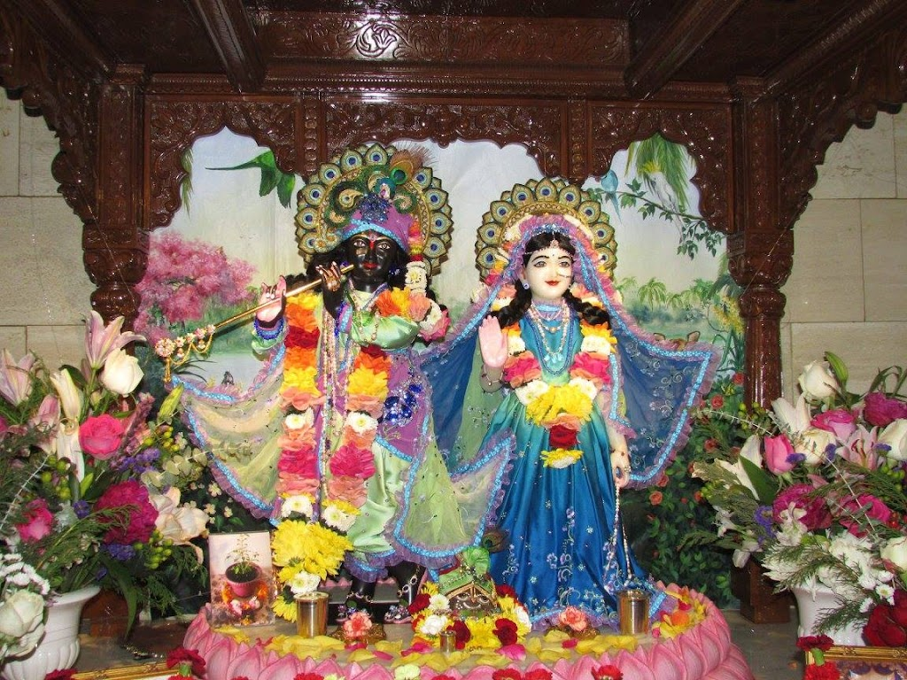 ISKCON New Goloka Deity Darshan 11 Dec 2016 (1)