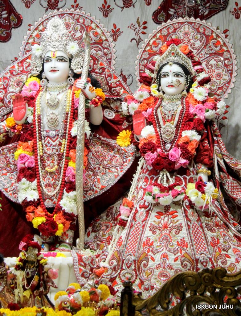 ISKCON Juhu Sringar Deity Darshan on 30th Sep 2016 (38)
