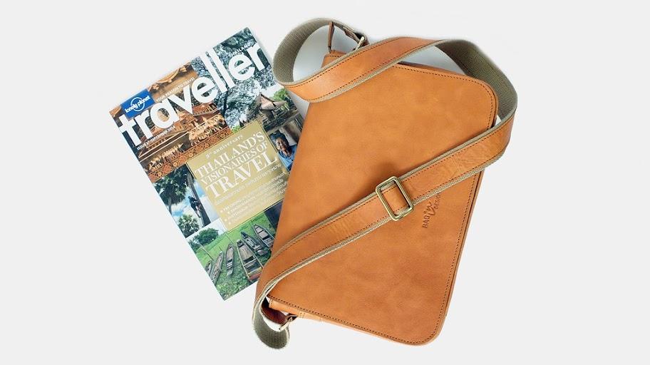 กระเป๋าหนัง Messenger bag ds
