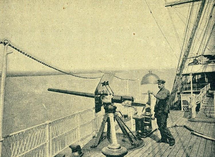 La luz de estribor del mismo buque. De la Revista de Navegación y Comercio.JPG
