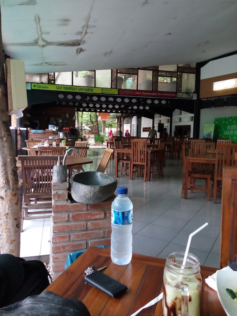 Food Park UGM