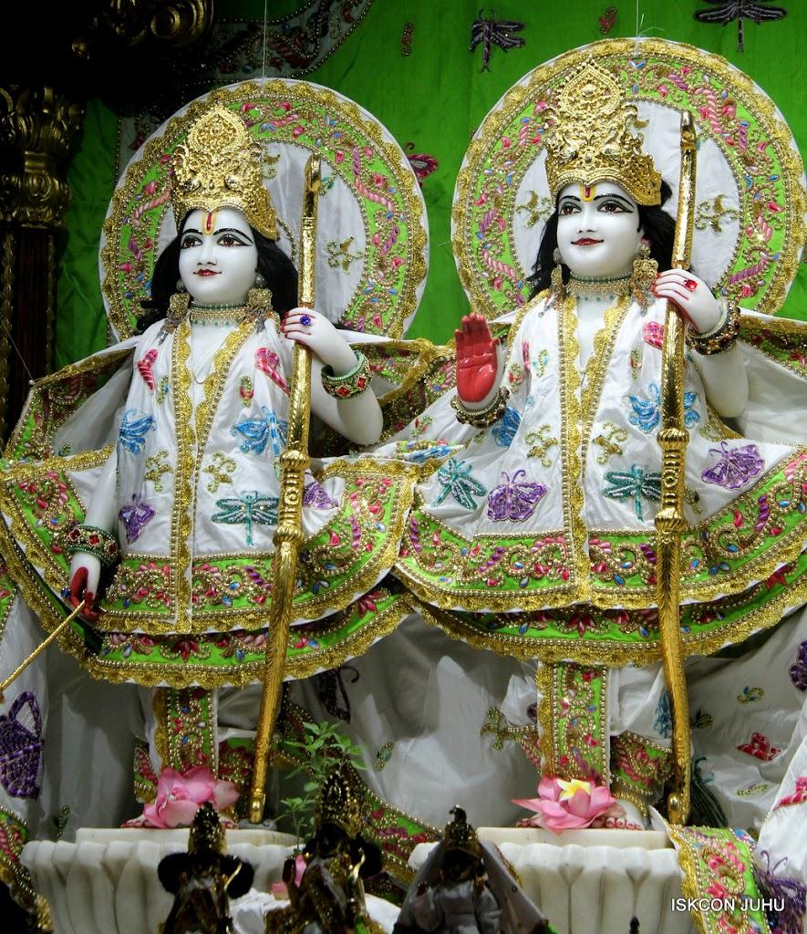 ISKCON Juhu Mangal Deity Darshan on 4th June 2016 (9)