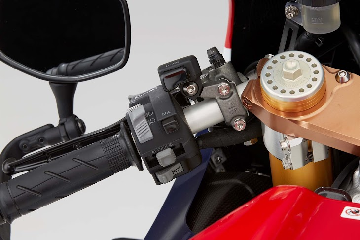 2016-Honda-RC213V-S-street-bike-60.jpg