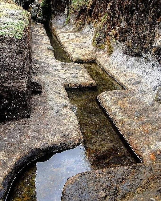 O enigmático Aqueduto de Piedra de Cumbemayo.