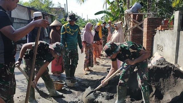 Warga Antusias Bantu Satgas TMMD Kodim 1620/Loteng Rehab Mushalla Di Desa Kawo