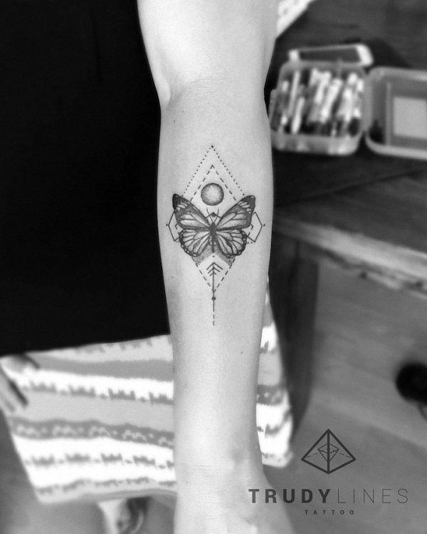 este_geomtricas_tatuagem_de_borboleta