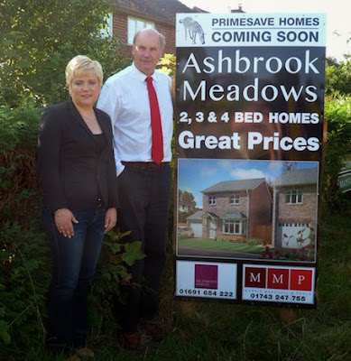Keri Jennings of Primesave Properties Ltd with Martin Moore of Morris Marshall and Poole estate agents
