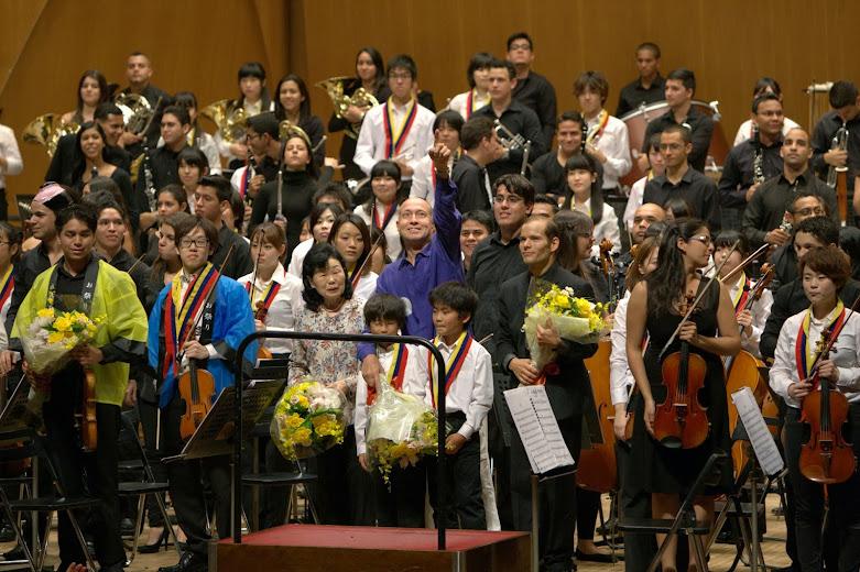 Juntos en el mismo escenario, Japón y Venezuela, dos naciones que han impulsado un gran desarrollo humano a través de la música