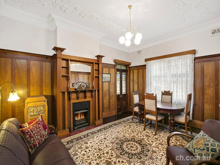 7 Gipps Street Drummoyne NSW showing a cosy Edwardian style sitting room. Federation House   Cosy Federation Interiors