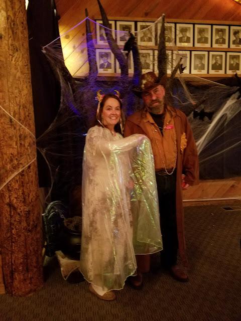 2017 Halloween/Oktoberfest - 20171021_181252_resized.jpg
