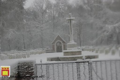 eerste sneeuwval in overloon 07-12-2012  (12).JPG