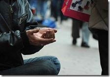 Il 28,7% dei residenti a rischio povertà