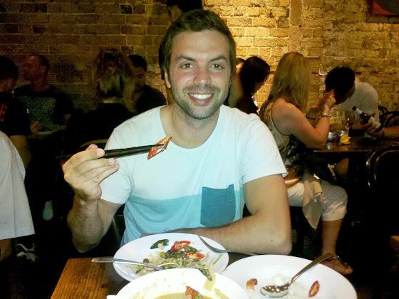 Comer comida tailandesa en australia