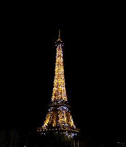 La Tour Eiffel at night