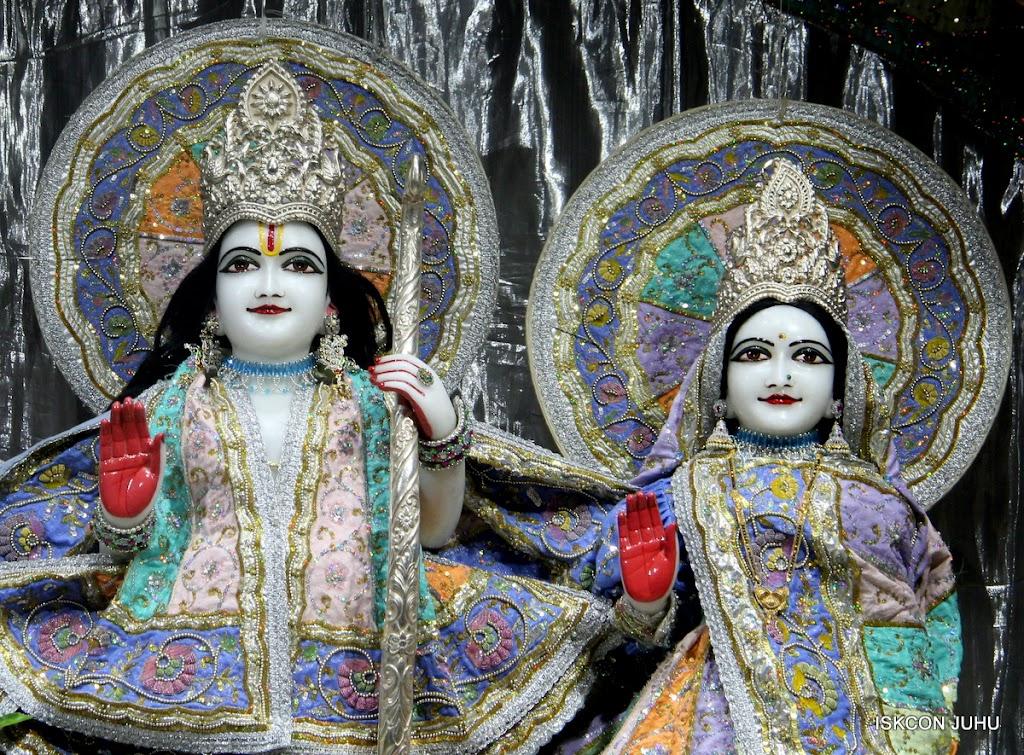 ISKCON Juhu Mangal Deity Darshan on 29th April 2016  (5)