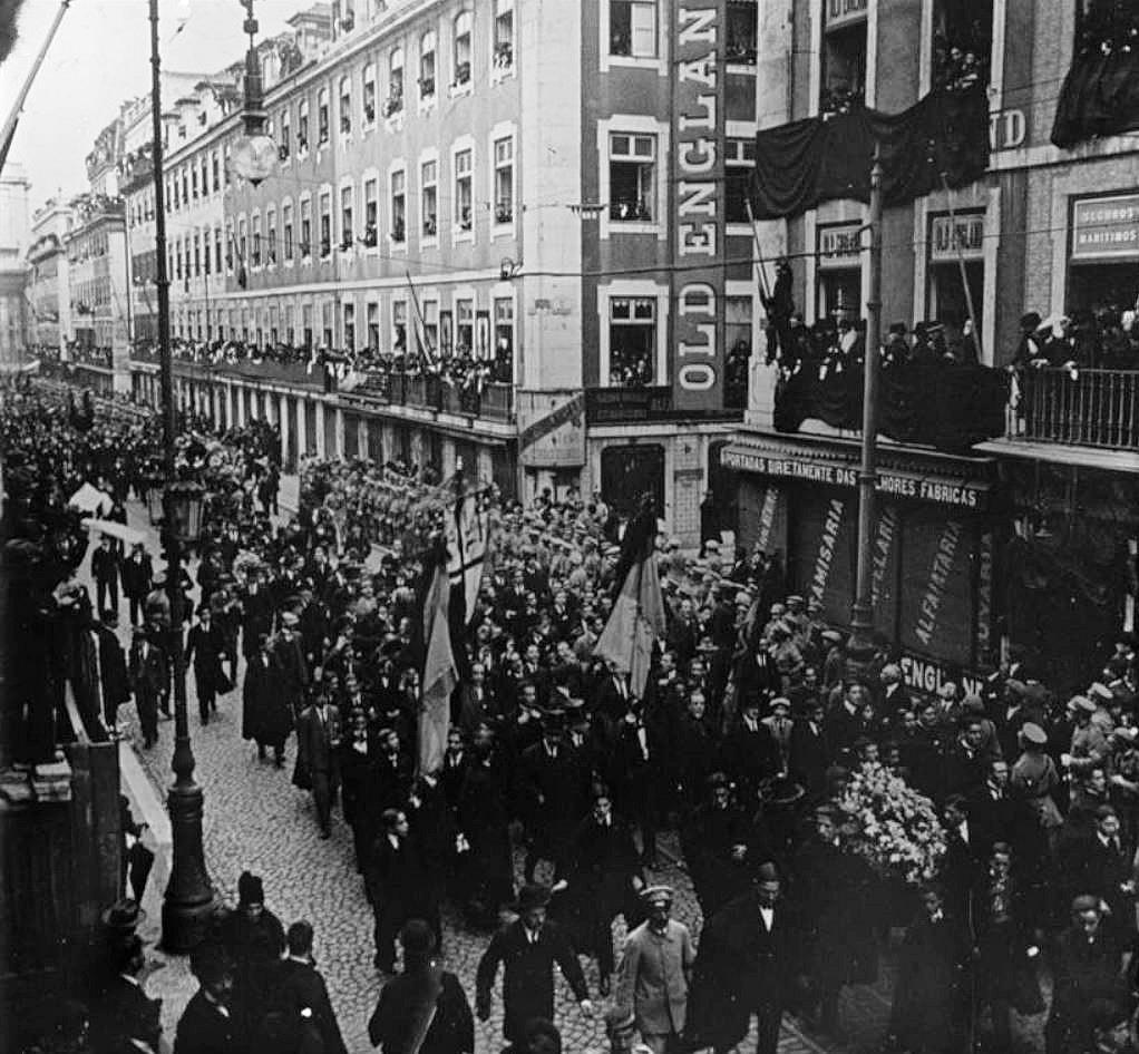 [1918-Funeral-de-Sidnio-Pais-21-124]