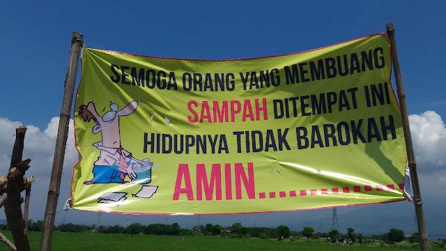 Banner sampah ukuran besar