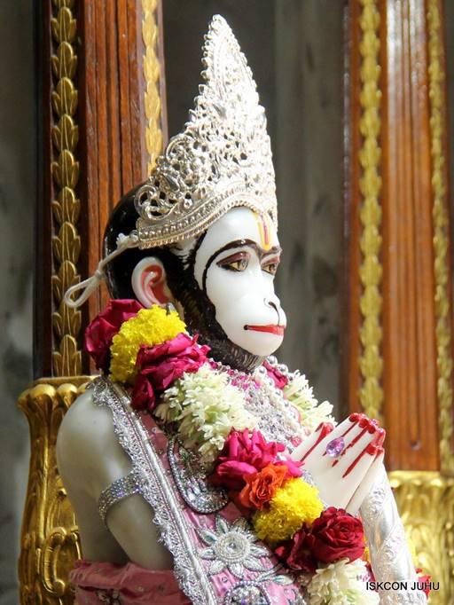 ISKCON Juhu Sringar Deity Darshan 05 Mar 2016 (12)