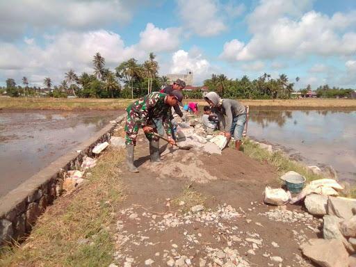 Begini Upaya Babinsa Kodim 1404/Pinrang Wujudkan Kemanunggalan TNI dan Rakyat