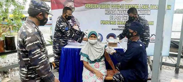 Serbuan vaksinasi Lanal Banjarmasin