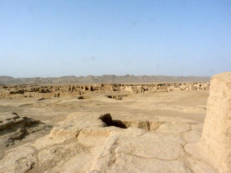 XINJIANG.  Turpan. Ancient city of Jiaohe, Flaming Mountains, Karez, Bezelik Thousand Budda caves - P1270767.JPG