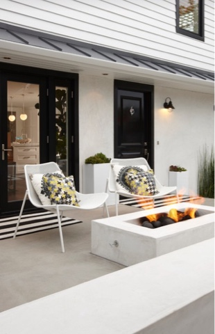 "<div><a href='http://www.houzz.com/photos/3430126/Peninsula-Point-Residence-transitional-patio-orange-county' target='_blank'><img src='http://st.hzcdn.com/simgs/c791e43f015b3ded_8-3175/transitional-patio.jpg' alt='Peninsula Point Residence' border=0 width='500' height='750' nopin='nopin' /></a></div><div style='color:#444;'><small><a style=""text-decoration:none;color:#444;"" href=""http://www.houzz.com/pro/ericaust/eric-aust-architect"" target=""_blank"">Photo by Eric Aust Architect</a> - <a style=""text-decoration:none;color:#444;"" href=""http://www.houzz.com/photos/transitional/patio"" target=""_blank"">Browse transitional patio photos</a></small></div>"