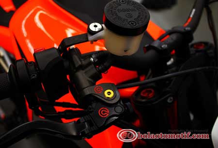 Handline KTM Super Duke R-1