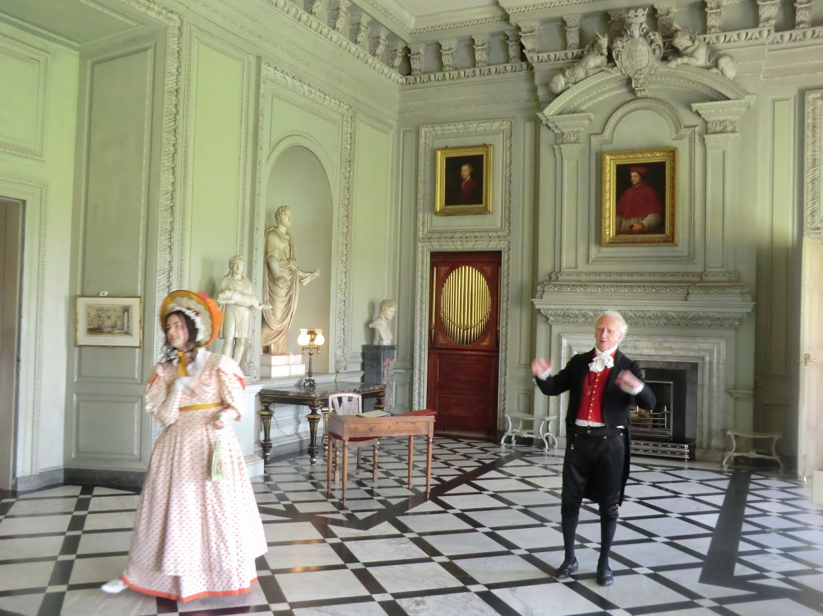 CIMG4006 Petworth House on Heritage Open Day (actors playing Lord and Lady Egremont)