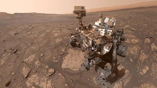 كيوريوسيتي من ناسا تلتقط صورة سيلفي مع ماري أنينج على الكوكب الأحمر