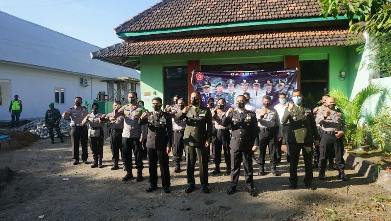 KEJUTAN KAPOLRES UNTUK DANDIM 0819/PASURUAN DI HUT TNI KE-75