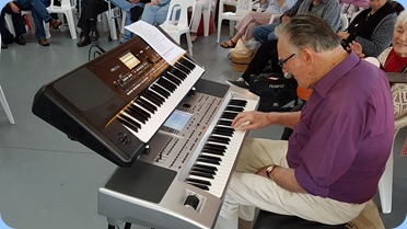 Roy Steen playing his Korg Pa80 and his Korg Pa300.