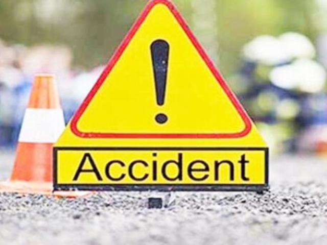 दर्दनाक सड़क हादसा: कार नाले में गिरी, तीन युवकों की मौत