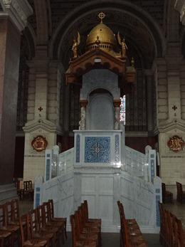 2017.06.24-008 chaire en marbre dans la basilique