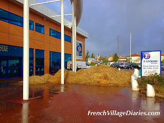 French Village Diaries #AllAboutFrance blog linky France farmer protests