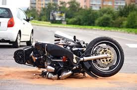 Polo. Muere una persona y Tres resultan heridos en accidente entre Yipeta y Motocicleta en la Auyamas de polo.