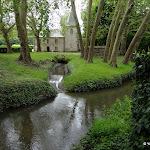 Château du Marais : vieux moulin transformé au 19e s. en fabrique néo-gothique