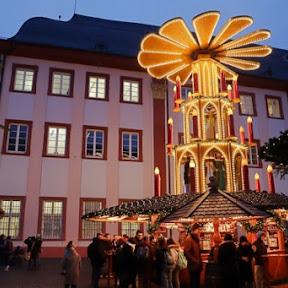 南ドイツ観光の定番ハイデルベルク ライトアップされた古城を背に繰り広げられるクリスマスマーケット