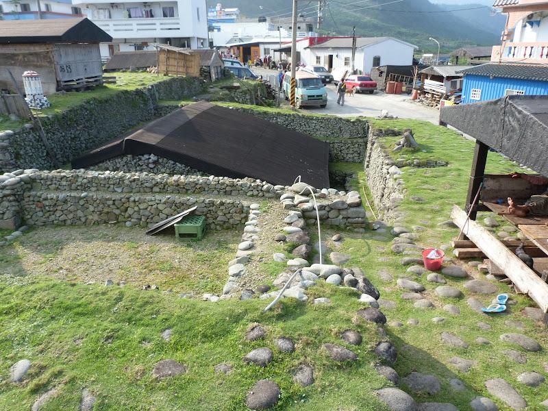 Auparavant,les maisons étaient ainsi et résistaient aux typhons