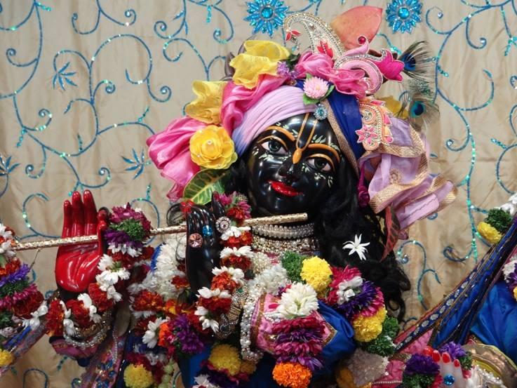 ISKCON Nigdi Deity Darshan 22 Jan 2016 (6)