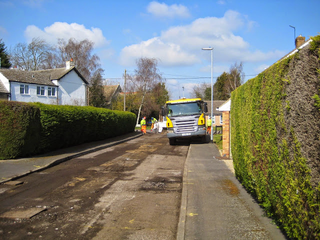St Johns Close Resurfacing 23-03-2015. Pictures by Chris Cannon - IMG_1073.JPG