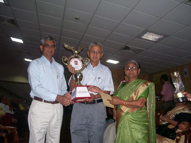 Master Pair - (L-R) AK Aneja, RP Narain with Mrs Singh