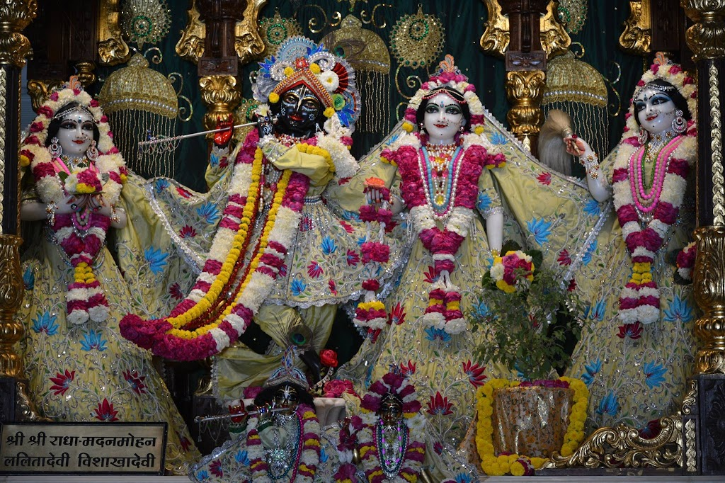 ISKCON Ujjain Deity Darshan 14 Dec 2015 (3)