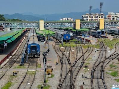 बड़ी ख़बर: श्रमिक स्पेशल के अलावे 1 जून से हर रोज चलेंगी 200 नॉन एसी ट्रेनें, जल्द शुरू होगी ऑनलाइन बुकिंग