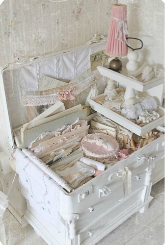 shabby chic dekoration vita resv skor. Black Bedroom Furniture Sets. Home Design Ideas