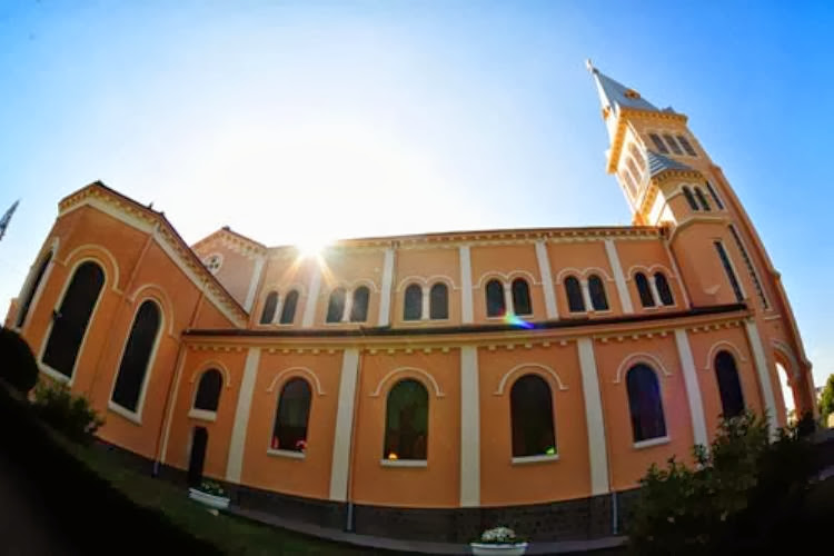1365557289 ve dep nha tho con ga  5  001 Tuyệt đẹp kiến trúc nhà thờ Domaine de Marie