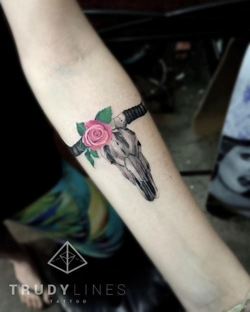 esta_pequenina_tine_rose_tattoo